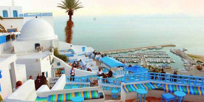 La Tunisie est pleine de diversité et de sites uniques. De plus, le pays Est-Ouest est captivant avec des plages de rêve vous invitant à la détente et idéales pour des vacances en famille.