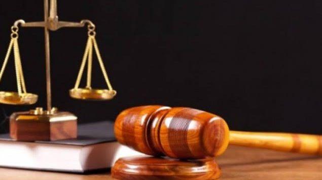 Prenez des notes d'avocat. Les agences de notation d'avocats ne sont pas infaillibles. Un avocat qui choisit de ne pas faire de publicité ou de participer au programme
