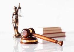Être avocat est stressant. Avec de longues heures, un marché de l'emploi compétitif, ainsi qu'une gamme diversifiée de clients, le rôle d'un avocat peut parfois être extrêmement