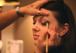 Visage acnéique