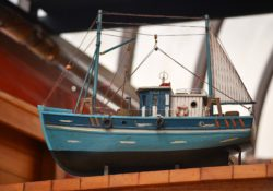 maquette de bateau en bois